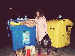 Eva Sindlerova -  - Trash girl