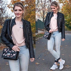 LOVERENCE Andrea Jelenská - Zara Jacket, Mango Black Bag, Reebok Shoes Instapump Fury - AUTUMN LOOK