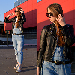 Róża Bijoch - Zara Jeans, H&M Shoes, Zara Jacket, Aldo Sunglasses - Blue Jeans & Black Leather Jacket / RwB