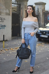 Jelena - Levi's® 501 Jeans, Alexander Wang Emile Bag, Asos Black Pointy Heels, Ray Ban Wayfarer Sunglasses - Off the shoulder-autumn edition