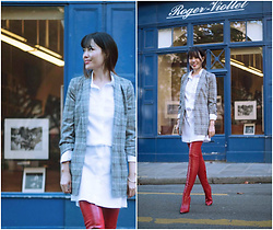 FromAmandaWithLove - Fashion Union Grey Glen Plaid Coat, Plain Studio White Shirt - A chic and red look in the fall