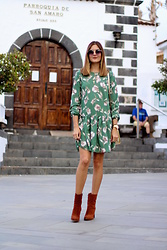 Marianela Yanes - Shein Dress, Mango Boots, Mango Sunglasses - Green and Brown
