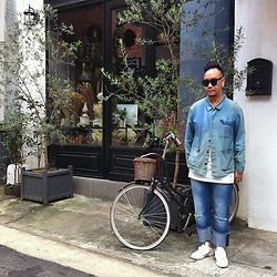 Mannix Lo - Vintage French Worker Jacket, Zara Washed Denim Jeans, Adidas Stan Smith Sneakers - Autumn Indigo Blue