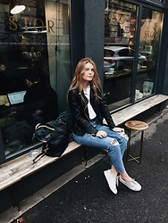 Asia Twaróg - Bershka Jeans, H&M Bag, Pull & Bear Jacket, H&M Blouse, Adidas Sneakers - Rainy day