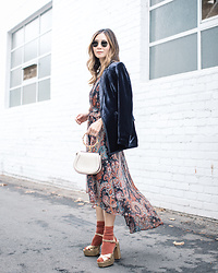 Elizabeth Lee (Stylewich) - Banana Republic X Olivia Palermo Paisley Dress, Marc Jacobs Lust Sandals, Chloe Nile Bag, J. Crew Velvet Blazer - Paisley