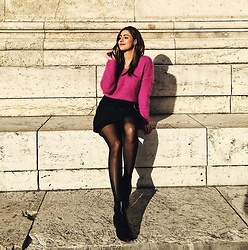 Nora K - Zara Shoes, Calzedonia Tights, Zara Skirt, Primark Sweater - #sunkissed