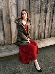 Clarissa H - H&M Khaki Puffer Coat, Orsay Red Maxi Slip Dress, Deichmann Black Pumps - Cozy meets Chic