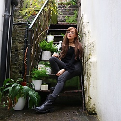 Charlotte Clothier - Wills Vegan Shoes Black Boots, New Look Black Top - PLANTS