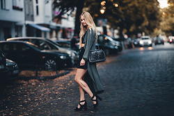 Esther E. - Zara Croc Bag, Brandy Melville Usa Crop Top, H&M Skater Skirt, H&M Heels, Primark Long Cardigan - Late Summer Berlin
