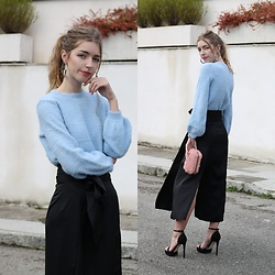 Alba Granda - Bershka Furry Sweater, Zaful Furry Clutch, Scrappy Koko Store Long Skirt - Blue Furry