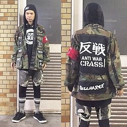 @KiD - Diy Anti War 反戦 Beenie, Viorent Enka Vinyl Kill 殺, Diy Camouflage Jacket, Insight Hoodie, Levi's® Diy Chemical Shorts, Air Walk The One, The Casualties Armed Band - JapaneseTrash236