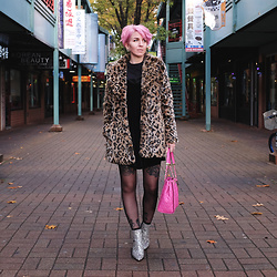 Jessie Bee - H&M Faux Fur Leopard Jacket, C/O Fashionmia Contrast Sleeve Blouse, American Eagle Outfitters Velvet Slip Dress, Aldo Clearbrook Satchel, Intentionally Blank Glitter Boots - Twinkle Toes