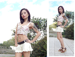 Nowaki Selenocosmia - Liz Lisa Flower Crop Top, Liz Lisa Ruffled Short, Leather Sandals - Mini