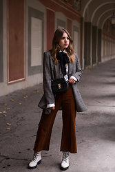 Swantje Sömmer | OffwhiteSwan - Chloé Bag, All Items On My Blog - Checked Blazer, Cord Pants & Winter Boots