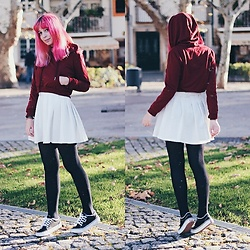 Filipa Lopes - Zaful Deep Red Hoodie, Ebay White Tennis Skirt, Vans Black Sneakers - Modern red riding hood