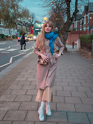 Carla V - Rosegal Camel Coat, Rosegal Checked Bag, Rosegal Blue Scarf, Rosegal Socks, Adidas Sneakers, Zaful Trousers - Minimalism
