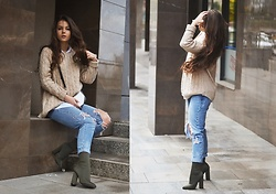 Mary Clark -  - AUTUMN: jeans + sweater + khaki boots