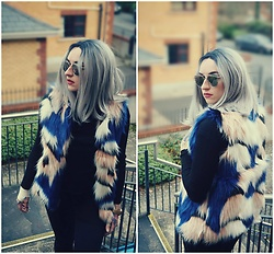 Szymka Szymka - Shein Faux Fur Vest - Winter is coming