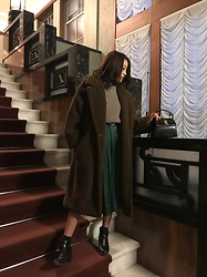 Chihiro_04.10 - Zara Shoes, Salvatore Ferragamo Vintage Bag, Uniqlo Knit, Dholic Coat - Boa coat