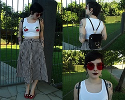 Bruna Santos - Skirt, Bag, Top - Retro or modern?