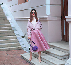 Mayo Wo - Everlane Bomber Jacket, Chicwish Velvet Skirt, Juicy Couture Velvet Bag - Sofa chic
