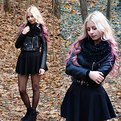 Monika - Bershka Black Jacket - All black