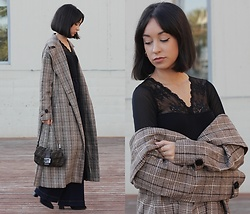 Esther L. - Zaful Plaid Trench Coat, Fendi Vintage Bag, Gisela Intimates Lace Bodysuit, Mango Flared Jeans - PLAID TRENCH COAT
