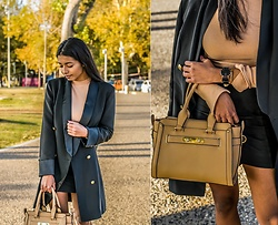 Konstantina Antoniadou - Missguided Button Up Blazer, Asos Button Up Blazer Similar Favorite, H&M Turtleneck, Tory Burch Bag Similar1, Shopbop Bag Similar2, Daniel Wellington Watch, Daniel Wellington Rose Gold Cuff - 51 Discount Codes for Black Friday