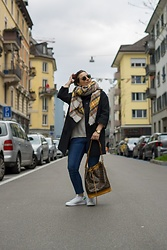Clarissa C. - Louis Vuitton Leather Bag, Adidas Sneakers, Zara Scarf, United Colors Of Benetton Black Coat - Scarf Lover
