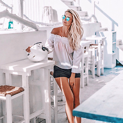 Vera Hutterer - Asos White Bardot Top, Cinque Black Shorts, Ray Ban Round Metal Remix Sunglasses - Happiness is a sunny day | la-blonde.com