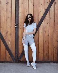 Tiffany Wang - Outdoor Voices Leggings, Allbirds Sneakers - GYM READY