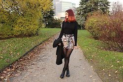 Karolina K - Kas Kryst Turtleneck, Sammydress Belt, Tapestry Skirt, Boots - She's in Parties