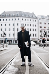 Kevin Elezaj - Vetements Sneakers, Dickies Pants, Cos Knitwear, H&M Coat, Nike Beanie - Berlin Winter