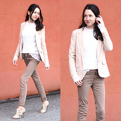 Claire H - H&M Blazer, Shein Lace Shirt, Högl Heels - White lace shirt