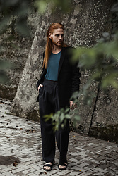 Maik - Asos Blazer, Cos Shirt, Odeur Trousers, Merrell Sandals - End of summer look