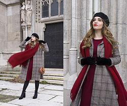 Daniela Guti - Coat, Dress, Scarf, Bag - Vintage Girl