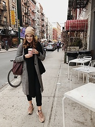 Odette - Primark Beanie, H&M Coat, Bershka Pants, Nike Air Max 95, H&M Bag, Cha Matcha Coffee - Little Italy days