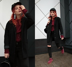 Vlada Kozachyshche - Metisu Sweater, Empyre Cap, Bershka Earrings, Topshop Coat, Bershka Jeans, Stradivarius Backpack, Nike Sneakers - Hey! Run away.