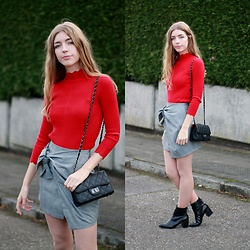 Alba Granda - Metisu Red Sweater, Zaful Grey Skirt, Stradivarius Ankleboots - Red&Grey