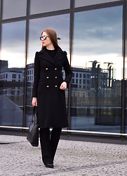 Róża Bijoch - Burberry Bag, Zara Shoes, Zara Wool Coat, Aldo Sunglasses - Total Black Look / RwB