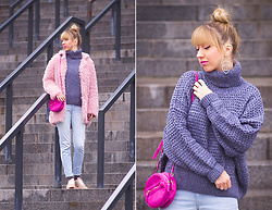Julia F. - Vipshop Sweater, Stradivarius Circle Bag, Mango Jeans, Bershka Sneakers - Grey&pink