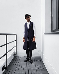 Martell Campbell - D'lyle Treasure Hat, D.Gnak Long Sleeveless Jacket, Paul Smith Shoes, Yohji Yamamoto Eyewear - When in PARIS