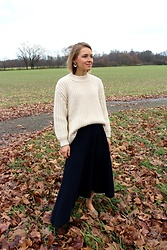Anna Borisovna - Zara Sweater, Mango Skirt, Mango Shoes, Mango Earrings - Cozy Sweater