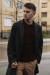 Anel Musanovic - New Yorker Grey Coat From, Lc Waikiki Burgundy Sweater, H&M Chinos Fro - GoodBye November