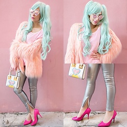 Marina Mavromati - Dresswel Oversized Batwing Pink Sweater, Lupsona Pu Leather Zipper Silver Pants, Zaful Color Block Silver Pants, Starlight Wigs Vocaloid Hatsune Micu Wig - -Out Of This World-