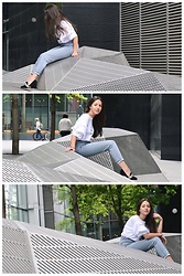Valeria - Zara Tshirt, Topshop Mom Jeans, Spazziomoda Shoes - T-Shirt / Jeans Weather in London