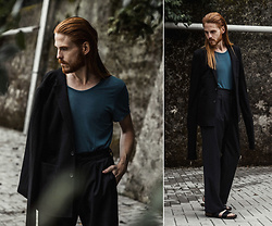 Maik - Cos Shirt, Asos Blazer, Odeur Trousers, Merrell Sandals - End of summer look