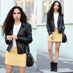 Attalia DASBEL - Mango Jacket, Massimo Dutti Sweater, Zara Skirt, Steve Madden Booties - LAST DAYS OF FALL