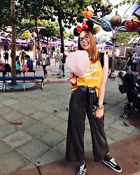Karina Bogdan - Nike Tank Top, Urban Outfitters Pants, Vans Sneakers, Urban Outfitters Glitter Socks, Pandora Bracelet, Michael Kors Watch, Furla Glasses, Louis Vuitton Backpack - Minnie in Disney Hong Kong
