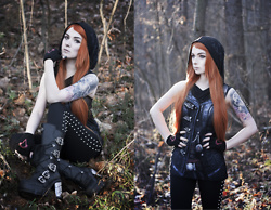 Joan Wolfie - Ubisoft Gloves, Spiral Top, Attitude Holland Leggings, Demonia Boots - Assassin's Fox